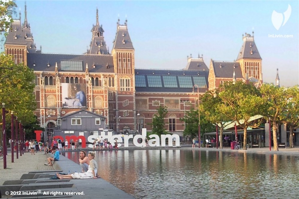 Booking a hotel where to stay in amsterdam for Hotel to stay amsterdam